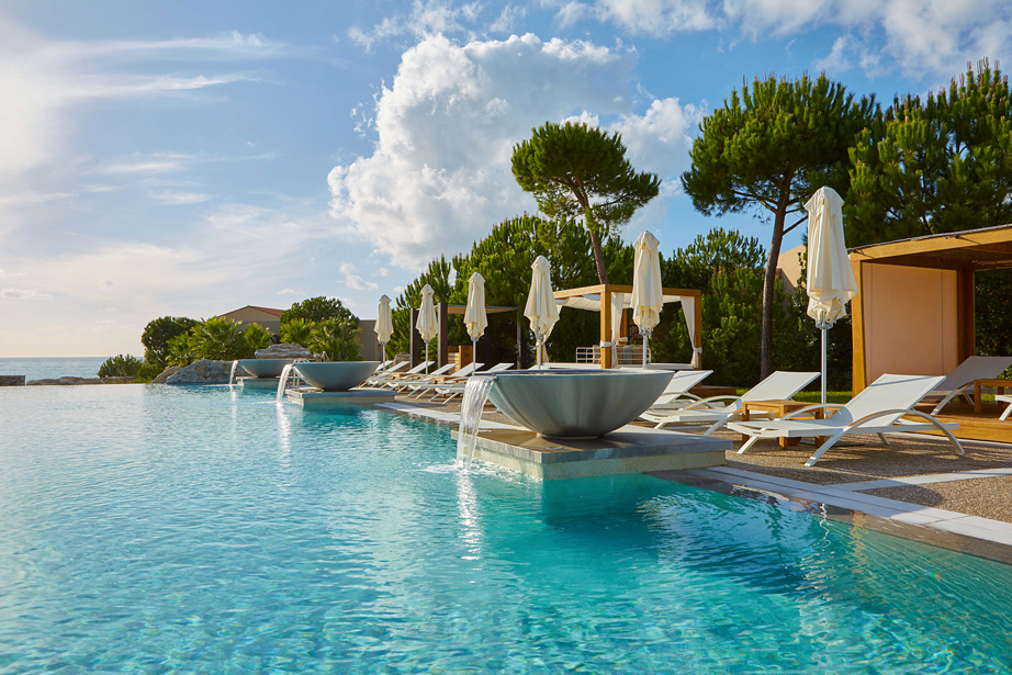 resort costa navarino pool