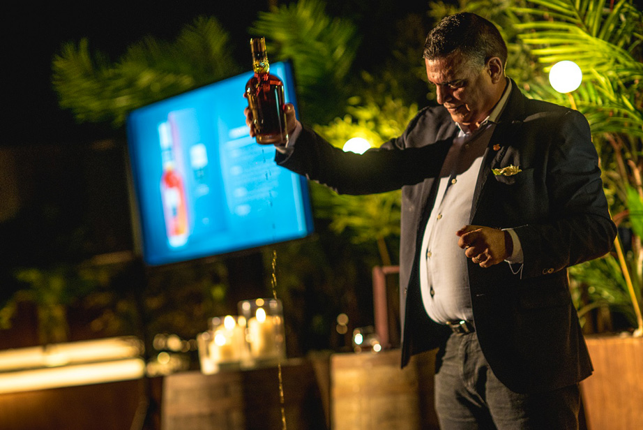 Havana Club Union rum ciggar Maestro Ronero Asbel Morales the likker