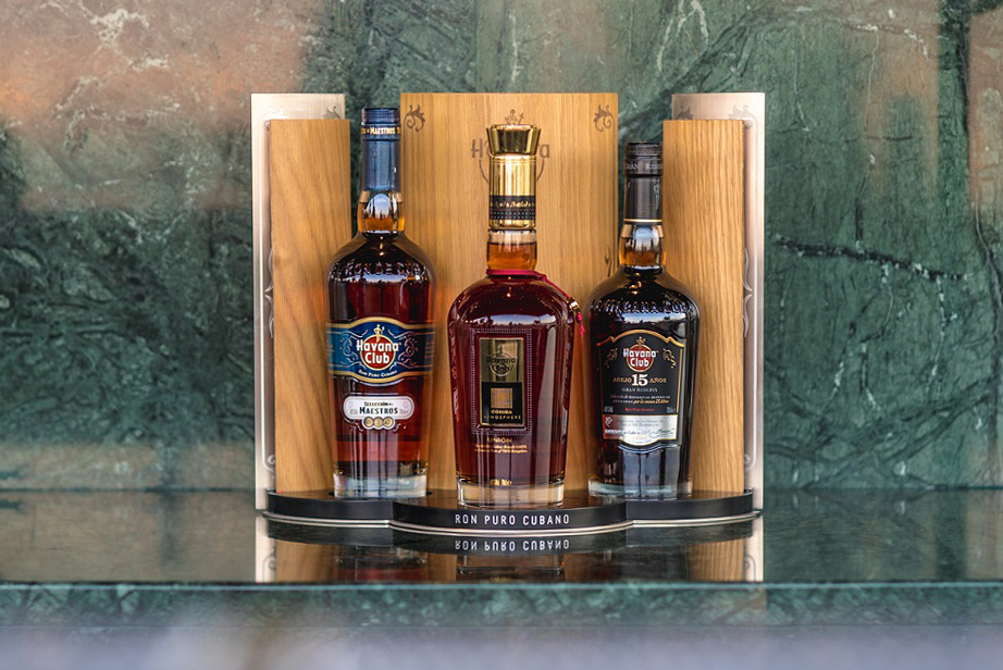 Havana Club Union maestros 15 anos rum ciggar the likker