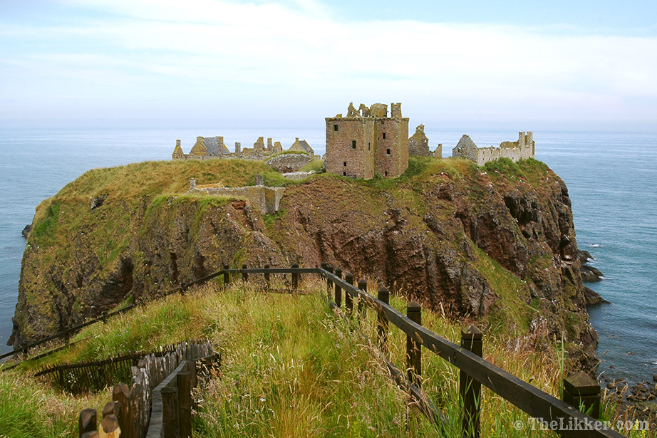 johnnie walker blue label ghost and rare glenury royal the likker reviews dunnotar castle